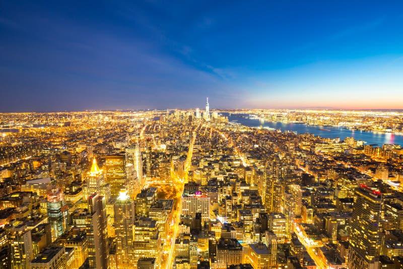 Сумрак горизонта Нью-Йорка стоковые фото