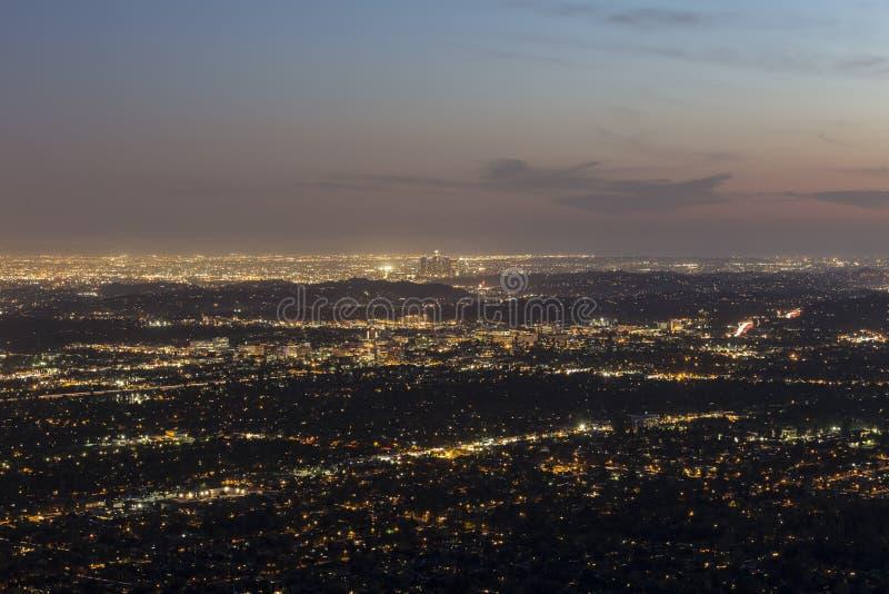 Download Сумрак Лос-Анджелеса стоковое изображение. изображение насчитывающей sunset - 40589467