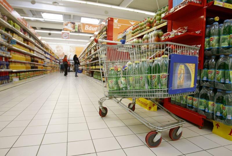 супермаркет покупкы тележки стоковая фотография rf