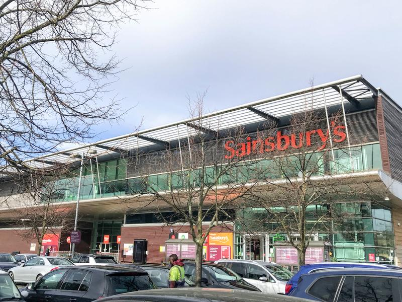 Супермаркет Sainsbury, Лондон стоковые фото