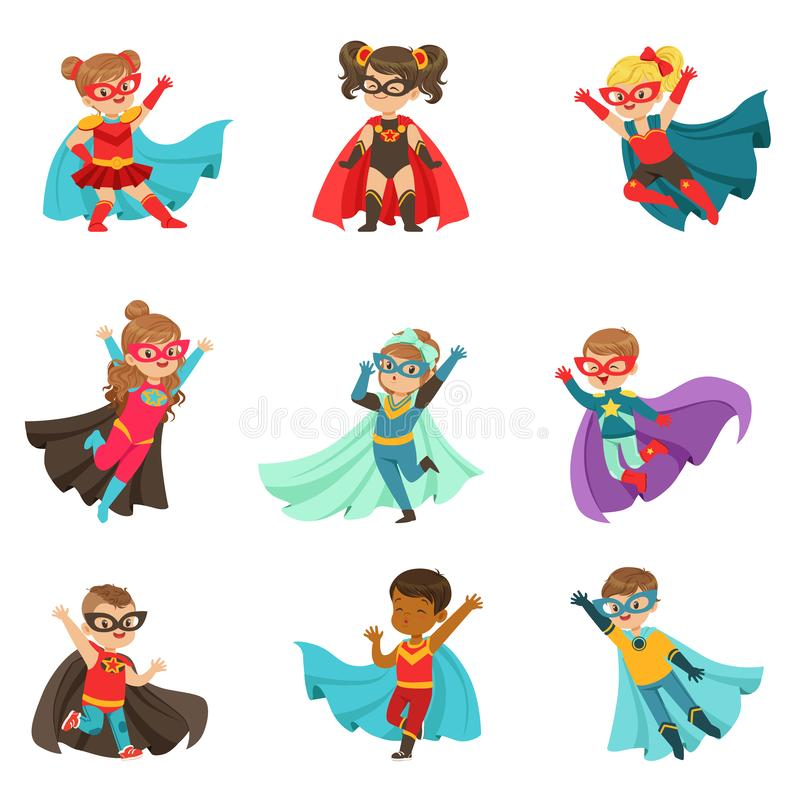 Супер дети установили, мальчики и девушки в иллюстрациях вектора костюмов супергероя красочных бесплатная иллюстрация
