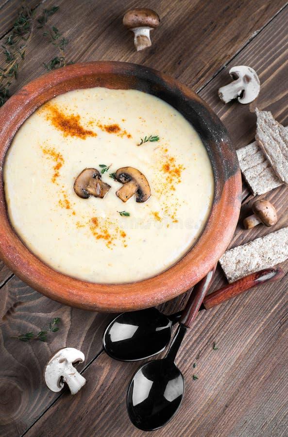 Download Суп гриба Champignons стоковое изображение. изображение насчитывающей closeup - 40579301