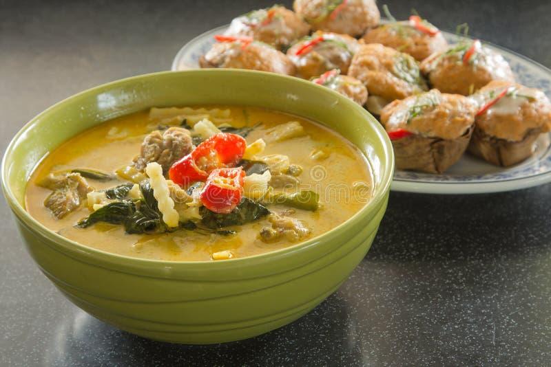 Суп зеленого цыпленка карри интенсивный стоковое изображение