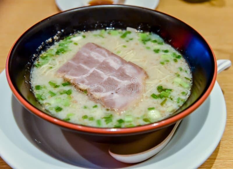 Суп лапш со свининой стоковые фото