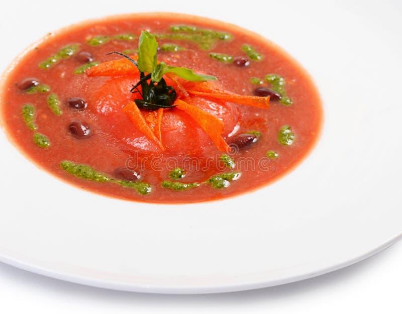 Суп от испеченных томатов с pesto стоковые фотографии rf