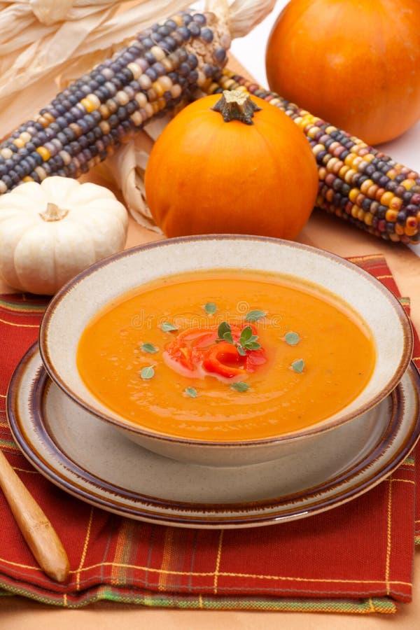 суп перца колокола зажаренный в духовке тыквой