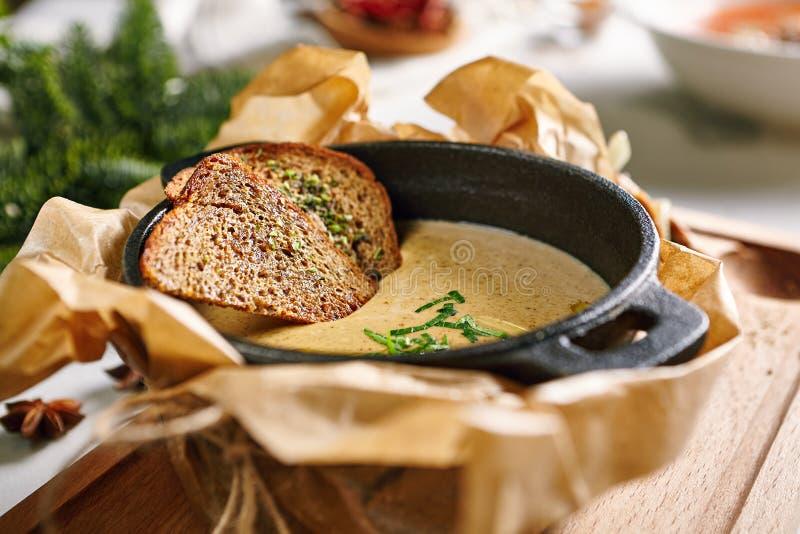 Суп сливк гриба стоковые фотографии rf