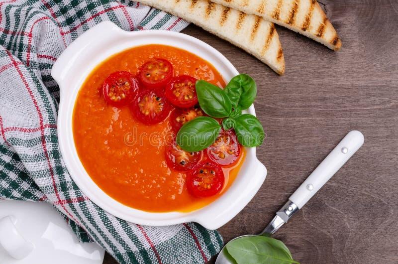 Суп сливк домодельного овоща красный стоковая фотография