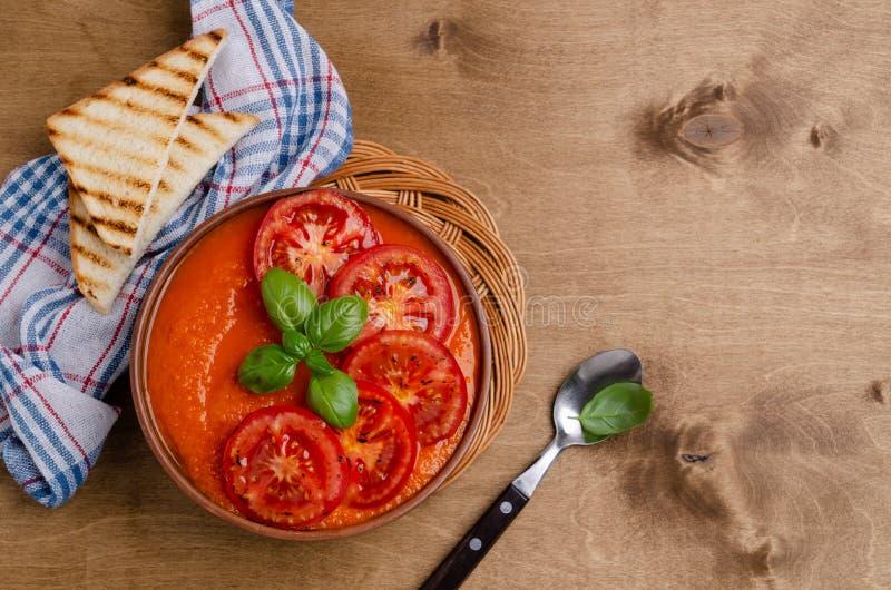 Суп сливк домодельного овоща красный стоковые фотографии rf