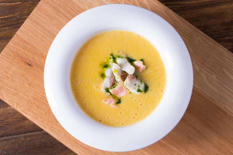 Суп сыра с копченым беконом стоковое фото rf