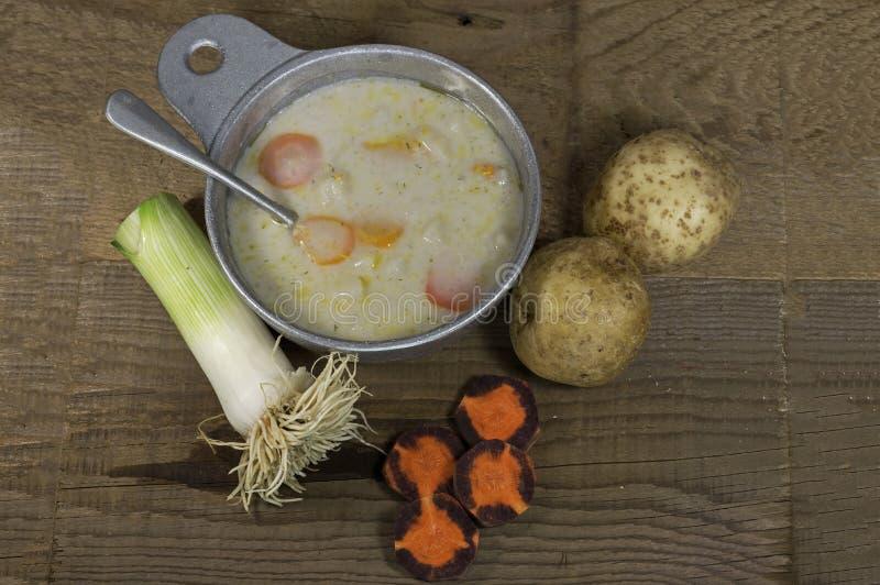 Суп лук-порея картошки стоковые изображения