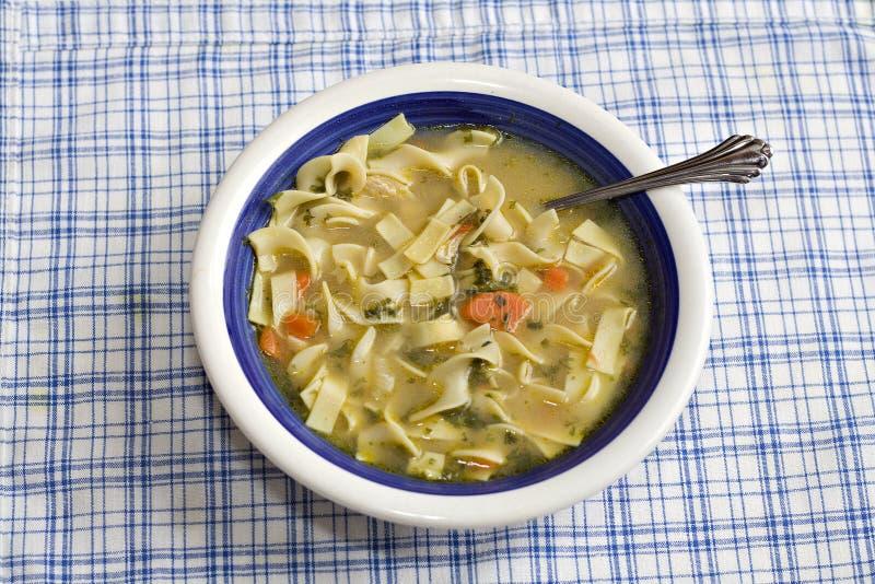 суп цыпленка домодельный стоковые изображения rf