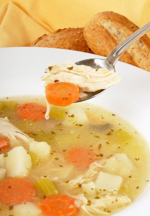 суп цыпленка домодельный стоковое фото