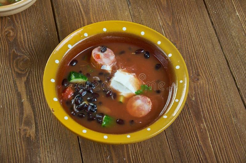 Суп черной фасоли с сосиской Cajun стоковые изображения rf