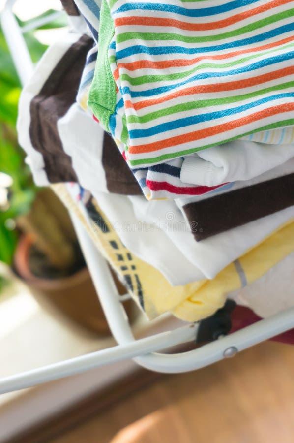 Download Сухие одежды младенца стоковое изображение. изображение насчитывающей одежда - 41657065