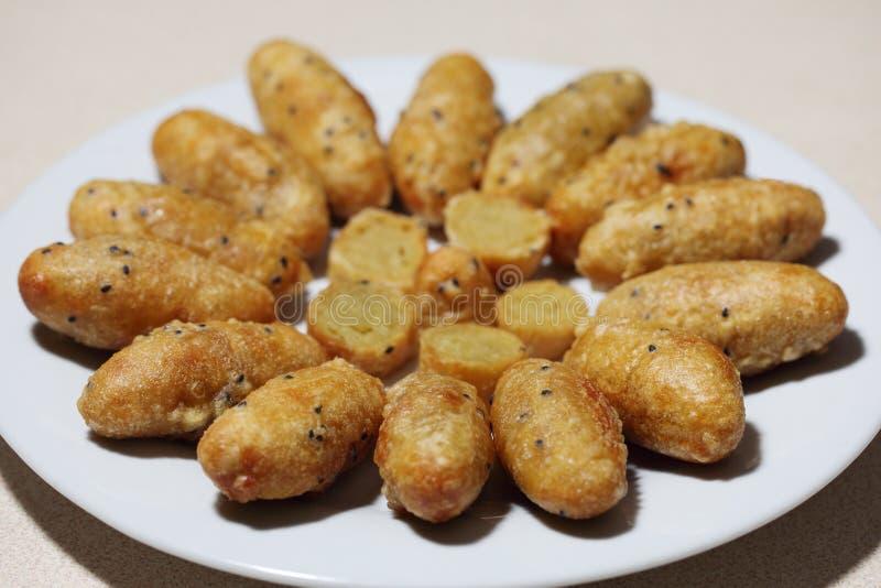Сухой коконовый сладкий картофель стоковая фотография