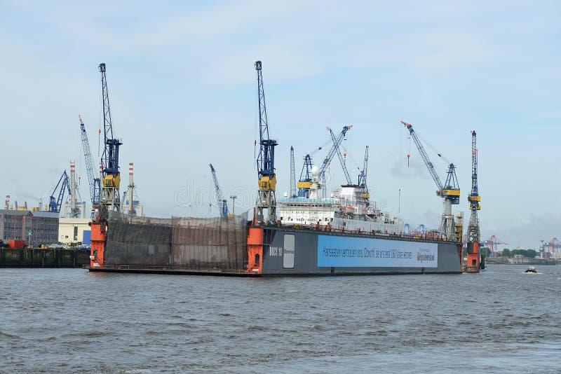 Сухой док в гавани Hamburgs стоковые фото