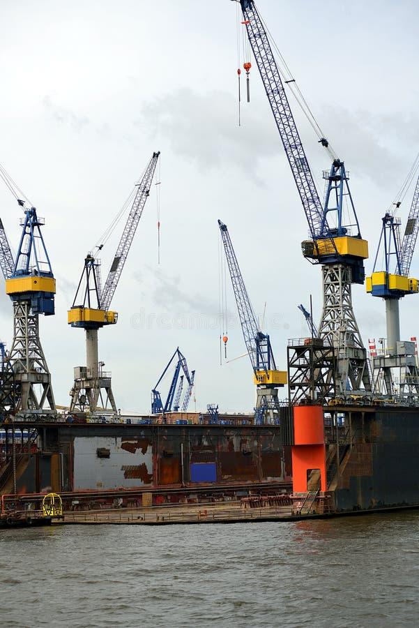 Сухой док в гавани Hamburgs стоковое фото