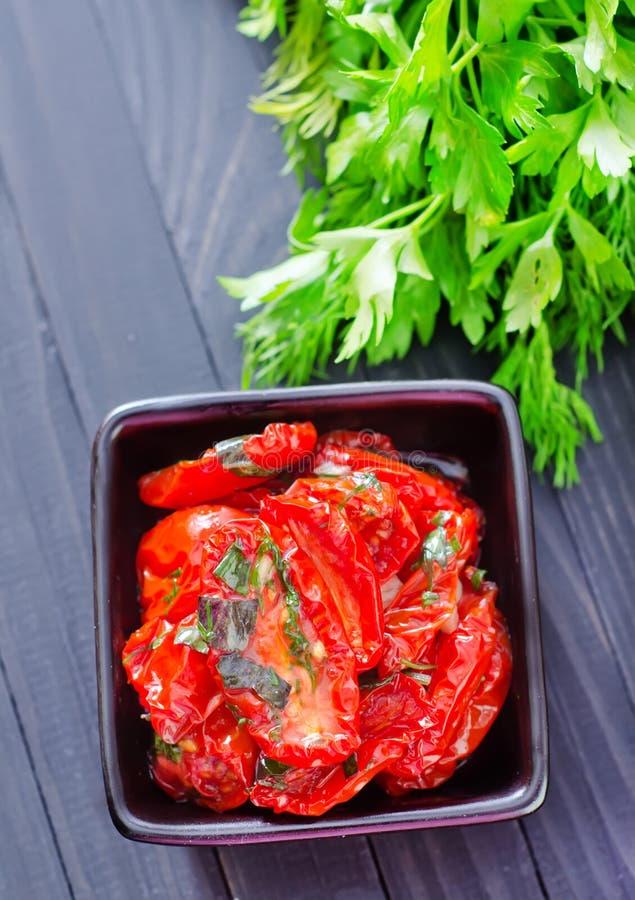 Download сухой томат стоковое фото. изображение насчитывающей травы - 41660162