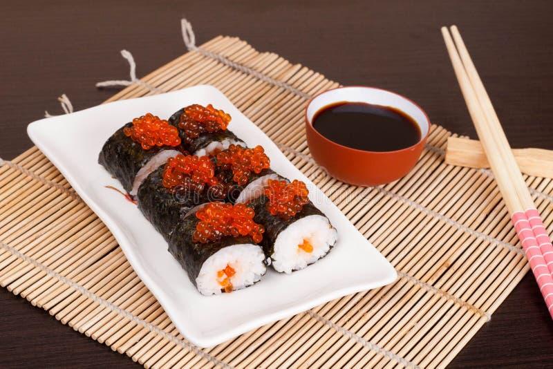 Суши с salmon Roy, горизонтальным стоковые фото
