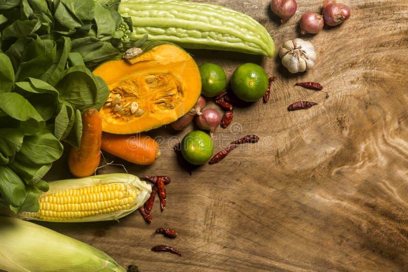 Существенные компоненты Таиланда, ассортимента овощей и травы стоковые фото