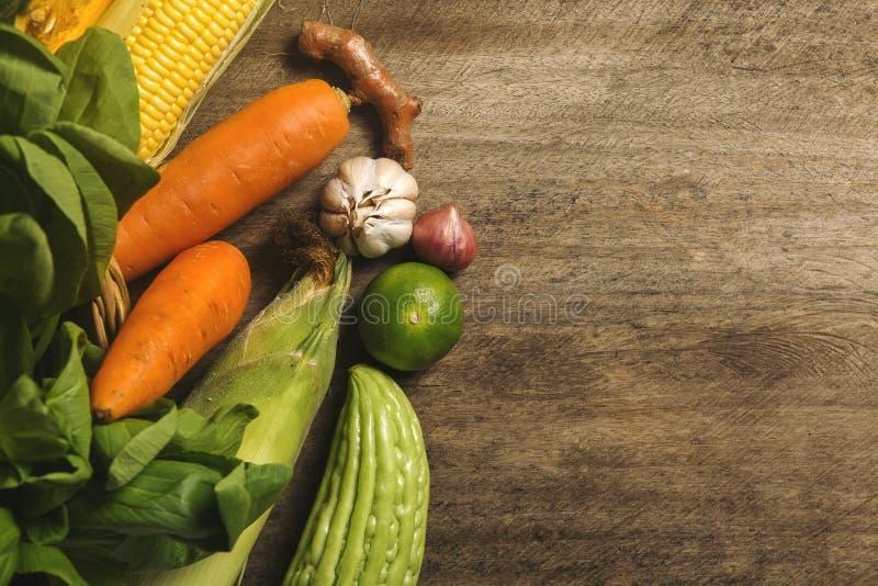 Существенные компоненты Таиланда, ассортимента овощей и травы стоковое изображение rf