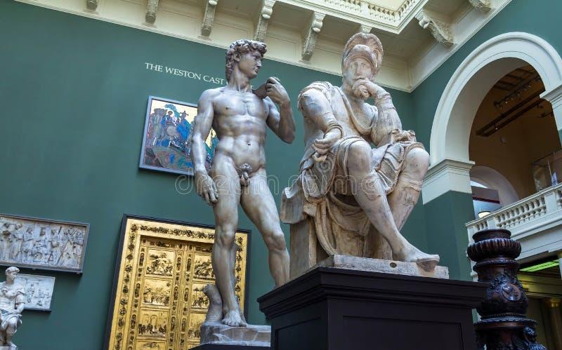 Суды бросания на музее Виктории и Альберта стоковая фотография rf