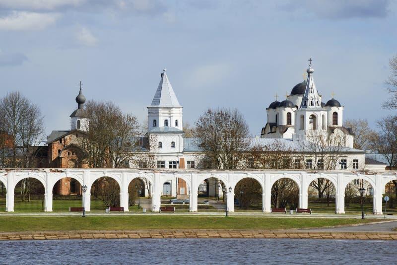 Суд ` s Yaroslav один день в апреле novgorod церков аукциона предположения veliky стоковые изображения rf