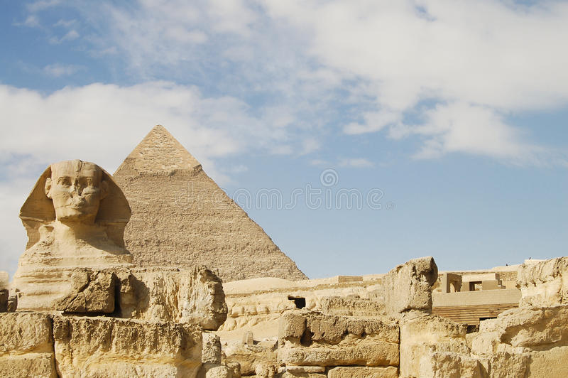 Сфинкс & пирамида Khafre - Египет стоковое фото