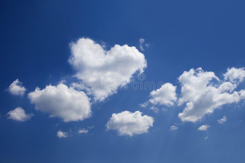 сформированное сердце облака стоковая фотография rf