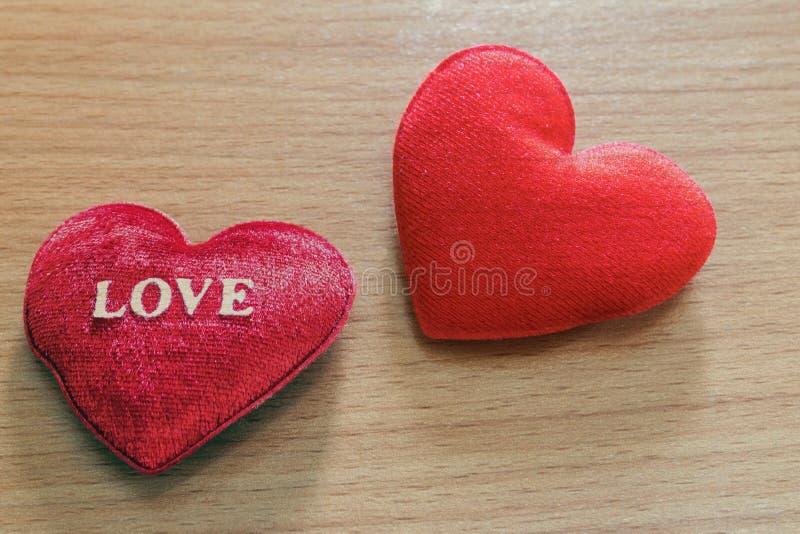 сформированный красный цвет сердца стоковое изображение rf