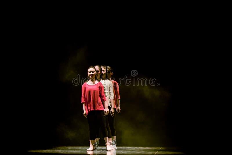 Сформируйте лини-современный танец стоковая фотография rf