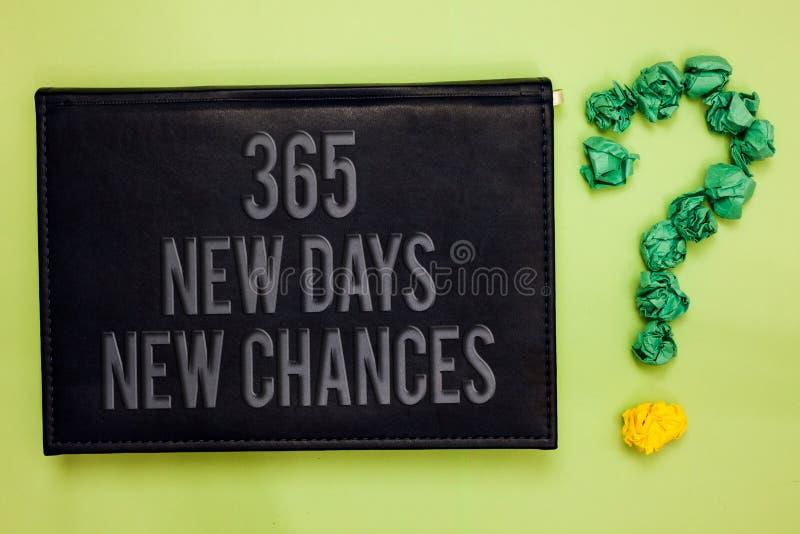 Сформулируйте шансы новых дней текста 365 сочинительства новые Концепция дела для начинать другие возможности календаря года зеле стоковые фотографии rf