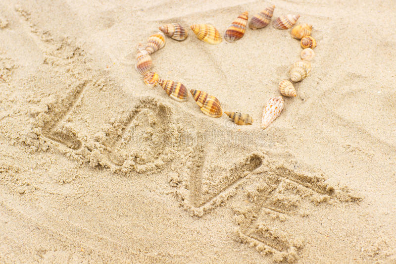 картинки с именем диана на песке нас можете скачать