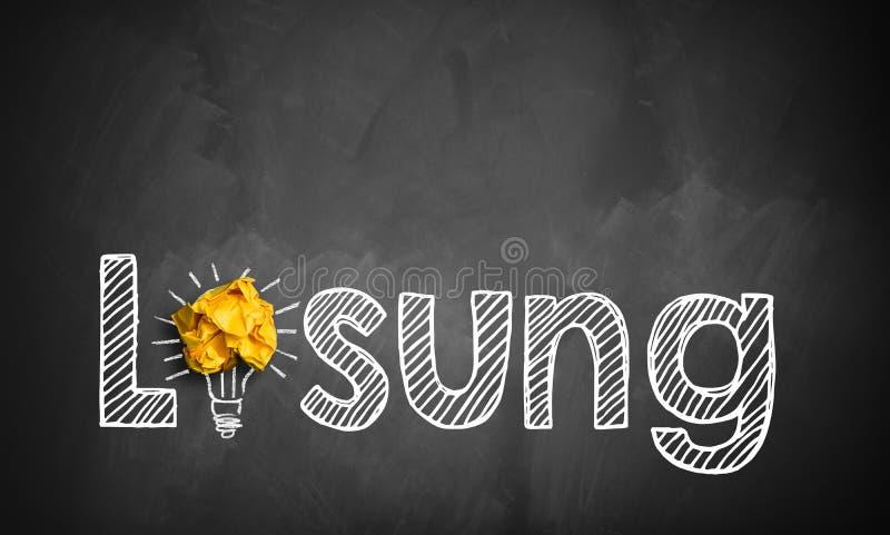 Сформулируйте решение на классн классном с лампочкой и скомканной бумагой как символ иллюстрация штока