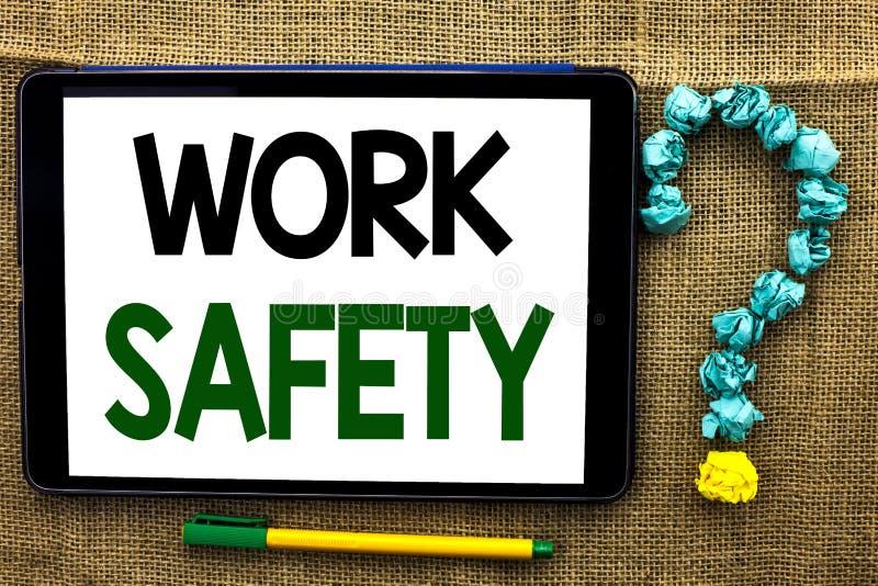 Схематическая безопасность работы показа сочинительства руки Writte Safeness обеспечения предохранения от регулировок безопасност стоковое изображение rf