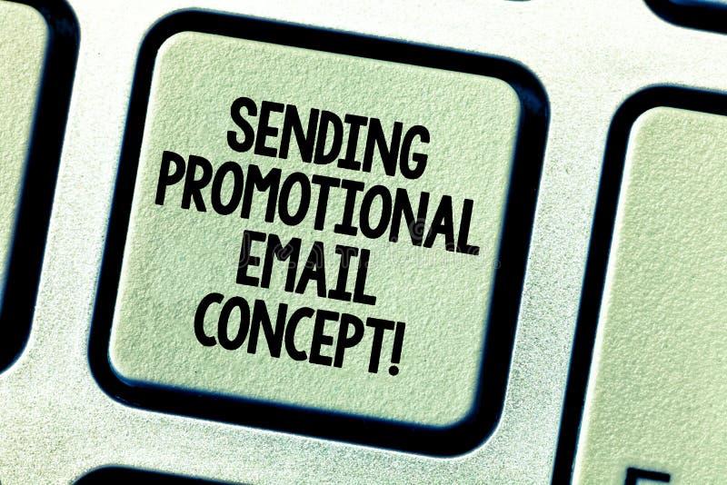 Схематический показ сочинительства руки отправляя выдвиженческую концепцию электронной почты Фото дела showcasing онлайн маркетин стоковое фото