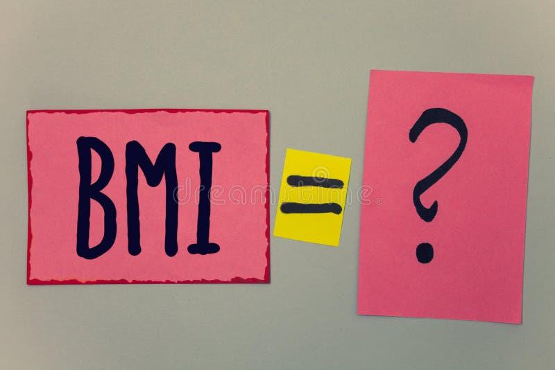 Схематическое сочинительство руки показывая Bmi Индекс массы тела текста фото дела определяет здоровый ряд веса по отношению к PA стоковая фотография