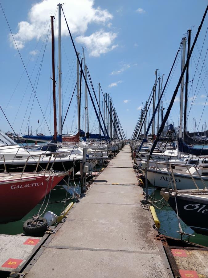 Сценарная дорожка гавани в Южной Африке стоковые фотографии rf