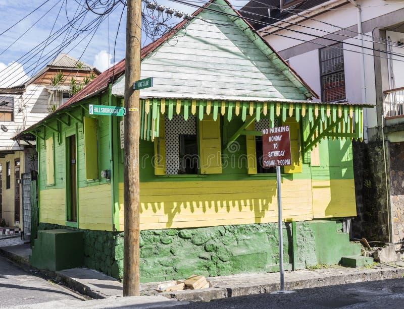 Сценарная деревянная хата в квартальной территории Кариб в Розо стоковая фотография