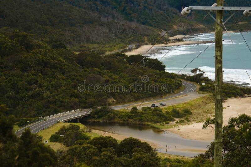 Сценарная и обматывая большая дорога океана, Виктория стоковое изображение rf