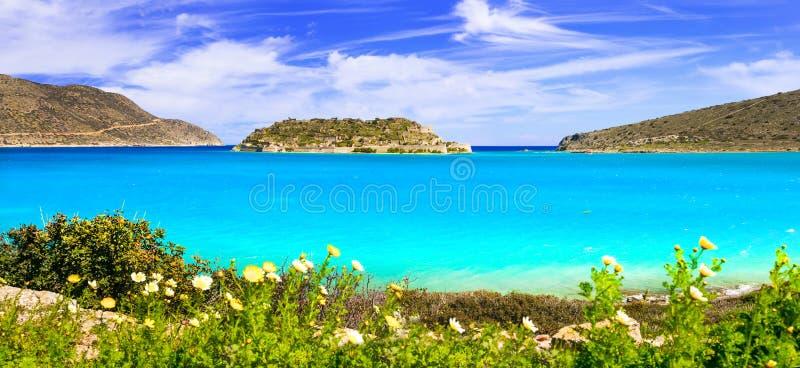 Сценарная природа и красивые пляжи острова Крита Взгляд Spinalonga Греция стоковые изображения rf