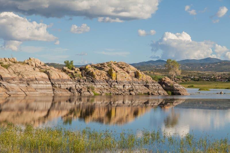 Сценарное озеро верб стоковое изображение rf