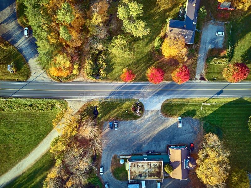 Сценарное шоссе на осени в Нью-Гэмпшир, США стоковые фотографии rf