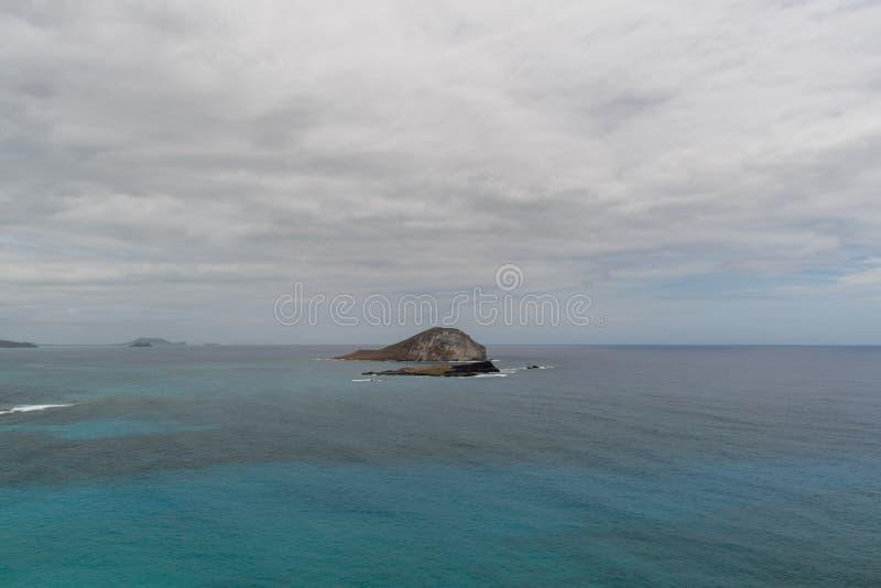 Сценарные острова около пункта Makapuu, Оаху стоковое фото