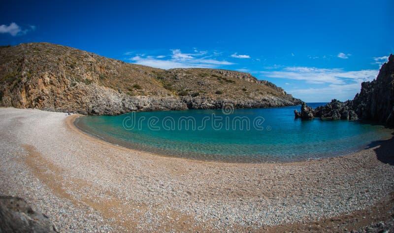Сценарный ландшафт с видом на море, Kythira, Грецией стоковые фото