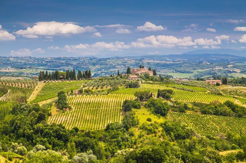 Сценарный ландшафт Тосканы с Rolling Hills и долинами стоковое фото