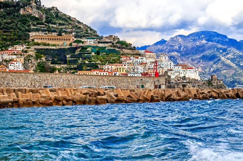 Сценарный взгляд Амальфи, Италии стоковое изображение