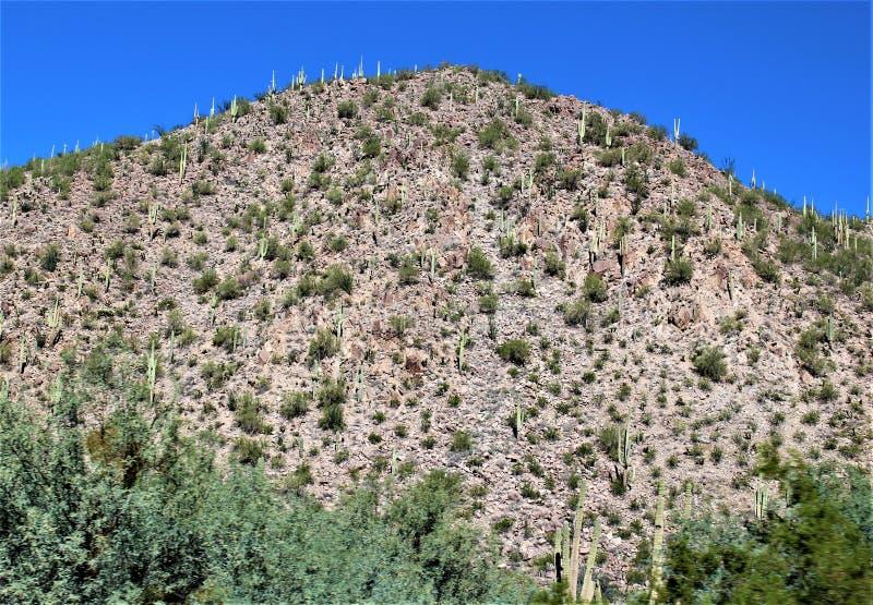 Сценарный взгляд ландшафта от мезы, Аризоны к холмам фонтана, Maricopa County, Аризоны, Соединенных Штатов стоковое фото