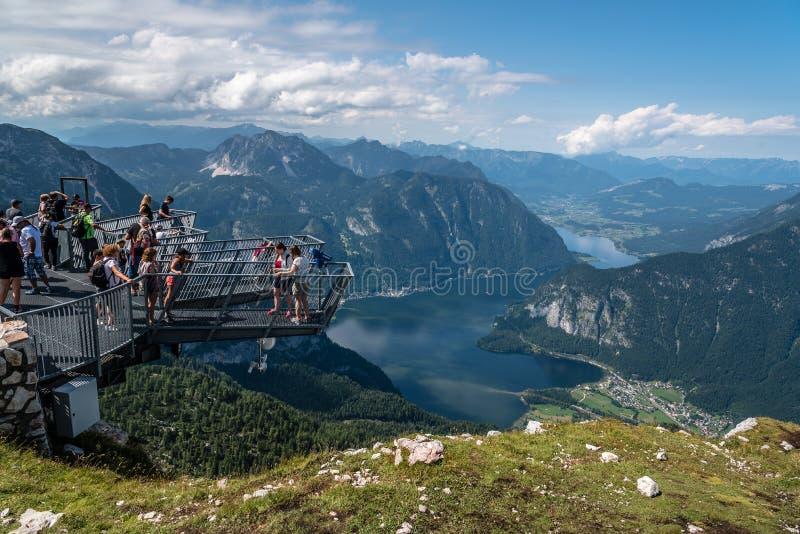 Сценарный взгляд 5 пальцев осматривая платформу в Альпах стоковая фотография rf